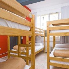 Отель Madrid Motion Hostels 2* Кровать в общем номере с двухъярусной кроватью фото 6