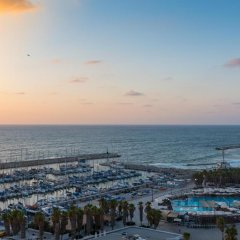 Herods Hotel Tel Aviv by the Beach 5* Улучшенный номер с разными типами кроватей