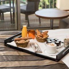 Отель Holiday Inn Cannes 4* Стандартный номер с различными типами кроватей фото 5