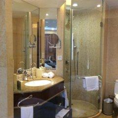 Отель Shenzhen Century Kingdom Hotel, East Railway Station Китай, Шэньчжэнь - отзывы, цены и фото номеров - забронировать отель Shenzhen Century Kingdom Hotel, East Railway Station онлайн ванная фото 2