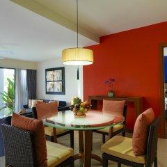 Отель Laguna Holiday Club Phuket Resort 4* Люкс