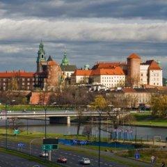 Отель Hilton Garden Inn Krakow Краков приотельная территория
