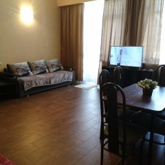 Апартаменты Apartments on Karachaevskaya 60 комната для гостей