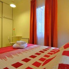 Хостел Far Home Plaza Mayor Стандартный номер с двуспальной кроватью (общая ванная комната) фото 7