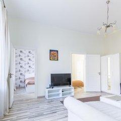Отель Zaliojo Tilto Apartamentai Вильнюс комната для гостей фото 2