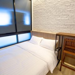 Отель Glur Bangkok Стандартный номер разные типы кроватей фото 27