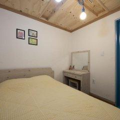 Lazy Fox Hostel Кровать в мужском общем номере с двухъярусной кроватью фото 5
