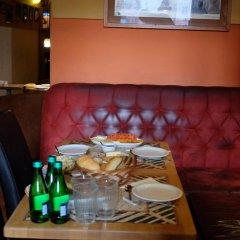 Отель Academus Cafe Pub & Guest House Вроцлав в номере