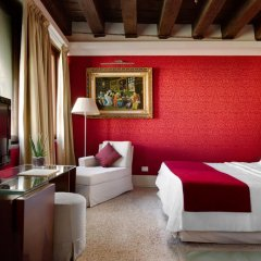 Hotel Palazzo Giovanelli e Gran Canal 4* Номер Делюкс с различными типами кроватей