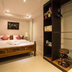 Отель VITS Patong Dynasty сейф в номере