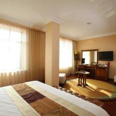 Гостиница Crowne Plaza Minsk 5* Стандартный номер двуспальная кровать фото 7