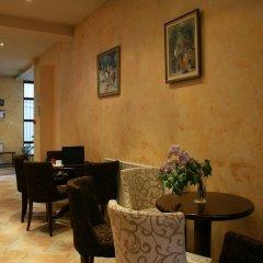 Bizev Hotel интерьер отеля
