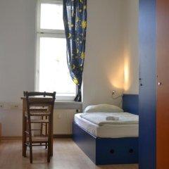 Отель Oskars Absteige Кровать в общем номере с двухъярусной кроватью фото 11