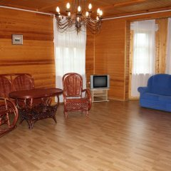Гостиница Вишневый Сад Люкс с различными типами кроватей фото 3