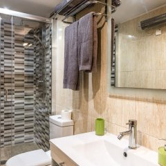 Отель La Fira Испания, Барселона - отзывы, цены и фото номеров - забронировать отель La Fira онлайн ванная