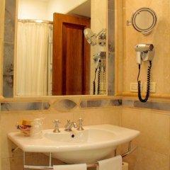 Hotel Giulio Cesare 4* Улучшенный номер с различными типами кроватей фото 4