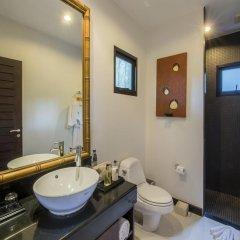 Отель The Bell Pool Villa Resort Phuket ванная фото 2