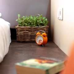 Хостел Graffiti L Номер Эконом с различными типами кроватей фото 15
