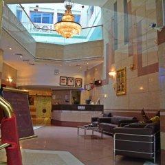 Queen's Hotel гостиничный бар