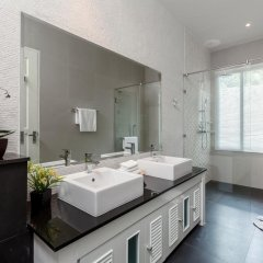 Отель Luxury Seaview Penthouse Kamala Beach ванная