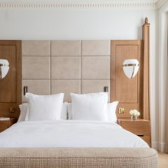 Four Seasons Hotel London at Ten Trinity Square 5* Номер Делюкс с различными типами кроватей фото 3