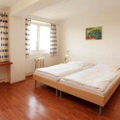Отель a&o Dresden Hauptbahnhof 2* Стандартный номер с 2 отдельными кроватями фото 6