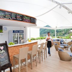 Отель Santosa Detox and Wellness Center пляж Ката гостиничный бар