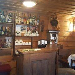 Отель Guest House Lina гостиничный бар