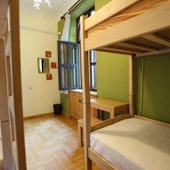 Envoy Hostel Кровать в общем номере с двухъярусной кроватью фото 19