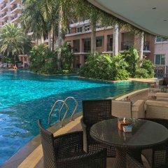 Отель Paradise Park By Vpg Паттайя бассейн