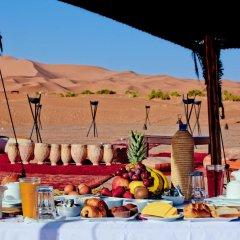 Отель Merzouga Luxury Camp Марокко, Мерзуга - отзывы, цены и фото номеров - забронировать отель Merzouga Luxury Camp онлайн помещение для мероприятий фото 2