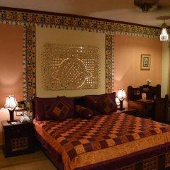 Отель Chokhi Dhani Resort Jaipur 4* Коттедж с различными типами кроватей фото 8