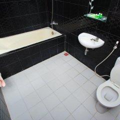 New Melati Hotel in Gorontalo, Indonesia from 14$, photos, reviews - zenhotels.com bathroom photo 2