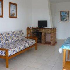 Отель Apartamentos Playa Calan Blanes Кала-эн-Бланес комната для гостей
