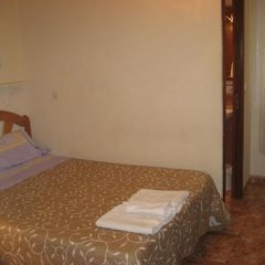Отель Hostal Conchita II Стандартный номер с различными типами кроватей