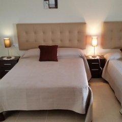 Отель Hostal Málaga Стандартный номер с различными типами кроватей фото 7