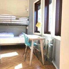 Отель Marken Guesthouse Кровать в женском общем номере фото 6