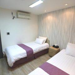 Отель Must Stay 2* Стандартный номер с 2 отдельными кроватями фото 3