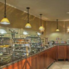Отель Arlington Court Suites Hotel США, Арлингтон - отзывы, цены и фото номеров - забронировать отель Arlington Court Suites Hotel онлайн питание фото 2
