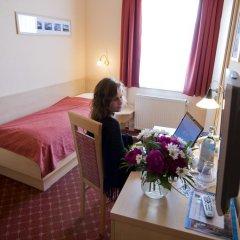 Hotel Am Alten Strom 3* Стандартный номер с различными типами кроватей фото 5