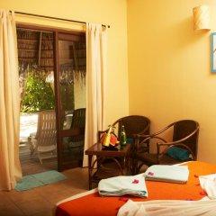 Отель Kuredu Island Resort 4* Бунгало с различными типами кроватей фото 5