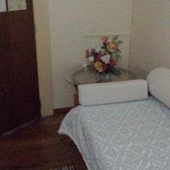 Отель Pensao Residencial Flor dos Cavaleiros 2* Люкс с различными типами кроватей фото 9