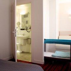 Отель Hôtel Le Richemont 3* Улучшенный номер с двуспальной кроватью фото 14