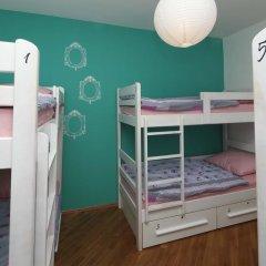 Pozitiv Hostel Кровать в общем номере с двухъярусной кроватью фото 11