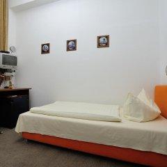 Отель Hotelpension Margrit 2* Стандартный номер с различными типами кроватей (общая ванная комната) фото 3