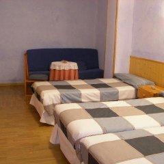Отель Hostal La Torre Стандартный номер с различными типами кроватей фото 5