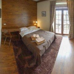 Гостиница Petrani Nivki комната для гостей