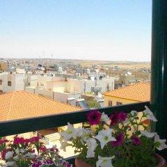 Отель Pilgrim's Guest House Иордания, Мадаба - отзывы, цены и фото номеров - забронировать отель Pilgrim's Guest House онлайн балкон