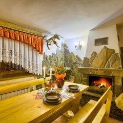 Отель Apartamenty i Pokoje w Willi na Ubocy Закопане интерьер отеля