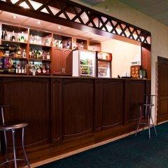 Гостиница Клуб Отель Фора в Кургане отзывы, цены и фото номеров - забронировать гостиницу Клуб Отель Фора онлайн Курган гостиничный бар